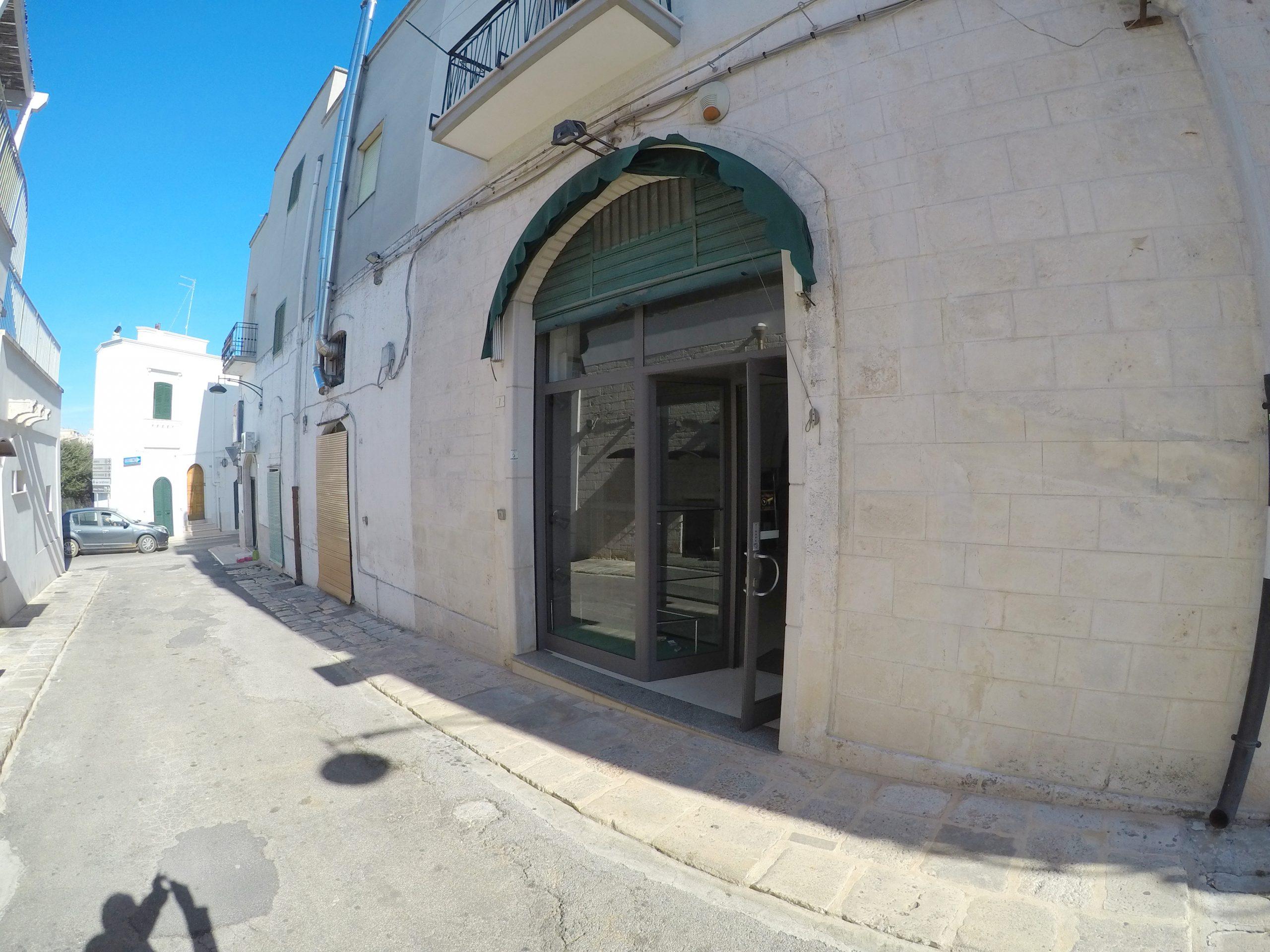 Locale Commerciale Via Giovanni Pascoli